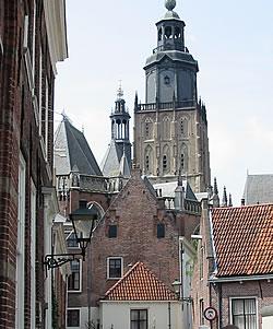 Walburgiskerk in Zutphen, anno 2004.