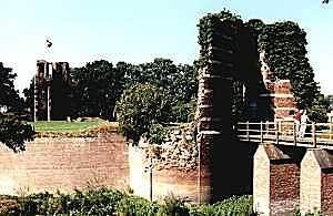 Kasteel Batenburg in de Betuwe, anno 1999.