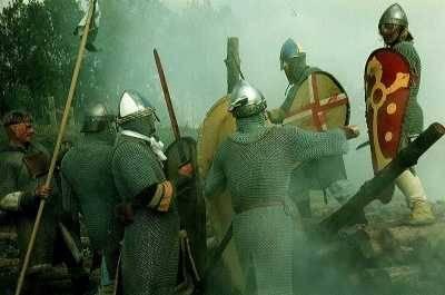 Soldaten in 11de eeuwse kledij.