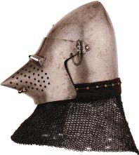 Bascinet met 'hondensnuit', eind 14de eeuw.