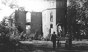 Kasteel Schuilenburg in 1945.