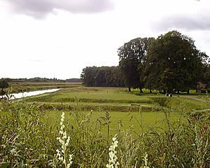 Het voormalige kasteelterrein van Ter Molen bij Hellendoorn, anno 2000.