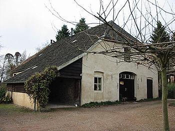 Achterkant van huis Ulft, anno 2003.