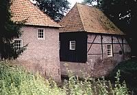 Dubbele watermolen bij Huis Ruurlo (anno 2001).